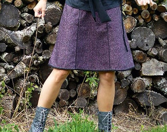 Pure Wool flared skirt – emerald green/black or pink/black