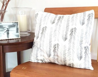 "Gray Chevron Pillow Cover (20"" x 20"")"
