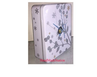 Music box clock Mary Way Snow Cherry tree Aluminum Collection Wall and Desk Quartz Clock Strangers in the night