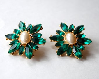 Lovely Green and Pearl Vintage Clip Earrings
