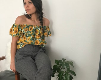 Vintage style bardot top || handmade from vintage fabric || off the shoulder ruffle top || OOAK || flowy short 70s style || 1970s vintage