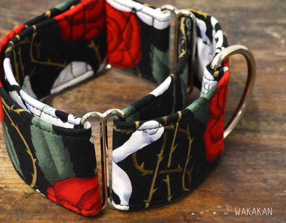 Martingale dog collar model Old Skull. Adjustable and handmade with 100% cotton fabric. skull and roses Wakakan