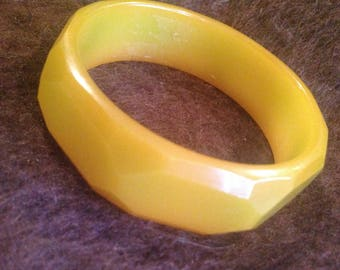 Vintage green/yellow/brown geometric bangle bracelet