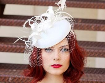 Fascinator, light ivory Fascinator with Veil, Womens Tea Party Hat, Church Hat, Derby Hat, Fancy Hat, Ivory Hat, wedding hat, British Hat