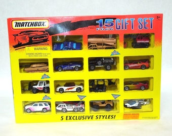 Matchbox 15 Pack Gift Set with 5 Exclusive Styles
