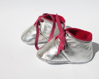 3 - 6 Months Slippers / Baby Shoes Lamb Glitter silver argent