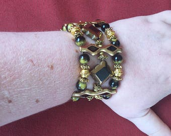 Black and gold stretch bracelet! SHIPS IMMEDIATELY from USA! Gifts for her!
