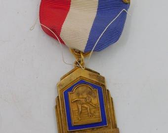 Original Antique 1938 Rollar Skating Gold Medal  For Racing Armory Rink dr62