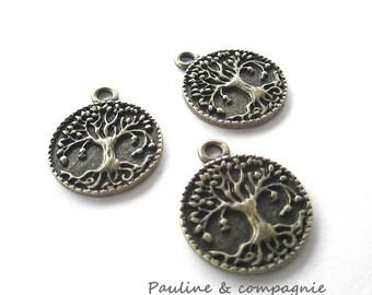 5 pendants round bronze pattern tree charms