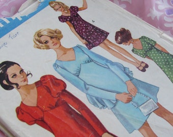 1970 Size 36 Inch High-Line Mini Dress With Sleeve Interest: Simplicity Sewing Pattern No 8492