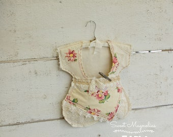 Vintage Dress Clothespin Bag - Vintage Linen Lace Floral Flour Sack Fabric - Farmhouse Country Chic Style