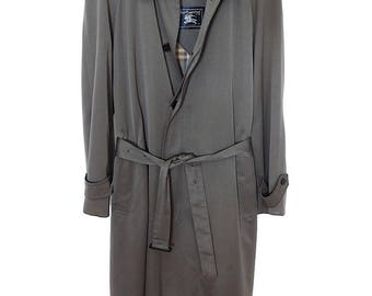 Size 40R - Burberry of London 1990's VTG belted rain coat, liner & collar, AMAZING Condition!