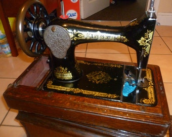 28k Singer Seamstress Vintage  Sewing Machine, alteration shop Display, Vintage Home/Office Decor