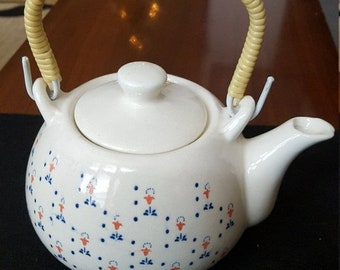 Weekend 10% Off Vintage Teapot with Wrapped Handle