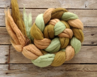 Merino Wool Tops, Wool Fiber, Naturally Dyed, Wool Rovings, Felting Supplies, Wet Felting, Needle Felting, Spinning, Fairtrade, 300g /10.6oz