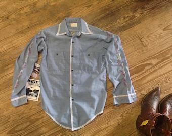 "1970s Hand Embroidered Chambray Shirt sz 36"" bust in VG Cond."