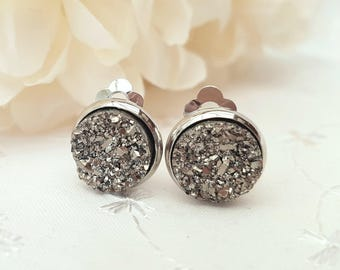 Sparkling Silver Druzy Stud Earrings, Druzy Clip Earrings, Silver Earrings, Silver Studs, Clip On Earrings, Little Druzy Studs