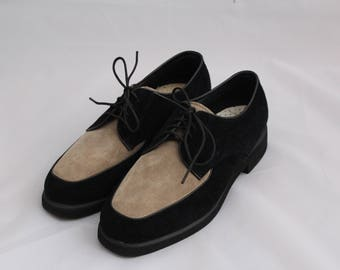 Vintage Two Toned Suede Hush Puppies Oxford Shoes / Size 6 Two Toned Suede Oxford Shoes / Vintage Oxford Shoes Size 6 / Suede Oxfords 6