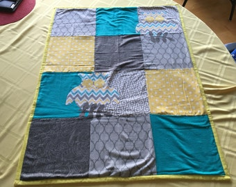 Crib size Baby quilt....Owl print