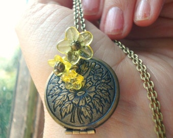 Sunflower Locket Necklace Brass Flower Locket Necklace Round Flower Locket Photo Locket Jewelry -Tuscany