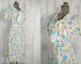 Vintage 1950s Dress - 50s Large Cotton Day Dress with Matching Belt and White Blue Novelty Print Floral
