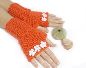 Fingerless Gloves, Hand knit fingerless gloves, Daisy, Orange, Crochet Flowers, Boho knit glove mittens, Knit gloves mittens