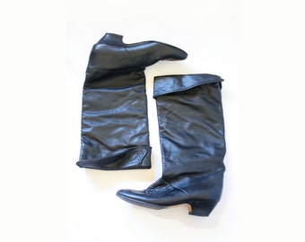 Vintage black boots // black healed boots // mid calf boots // size 6 black boots // calf boots // tall black boots // riding boots