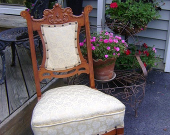 sweet ViNtAgE chair