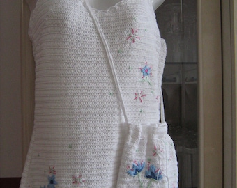 White embroidered crochet bag