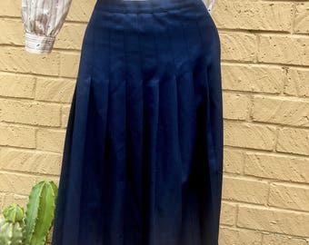 Women's Classic Vintage 70's 80's Navy Pleated Maxi Skirt size 6