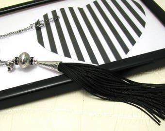 Long black tassel necklace/Tassel pendant/long tassel pendant/necklace pendant/Goth necklace/Goth pendant/Must have necklace/black tassle