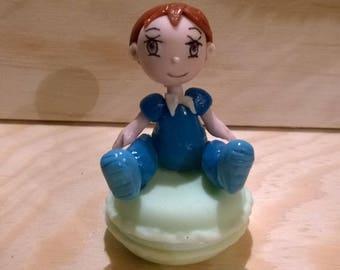 Decorative figurine: tooth Tom froidesur porcelain box his badge.