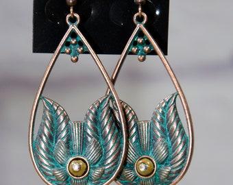 """Ethnic earrings, Egyptian style """"Ishida""""."""