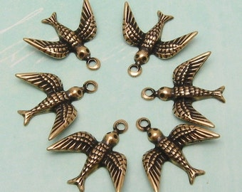 Small Bird Charm, Antique Gold, Trinity Brass, 6 Pc. AG129