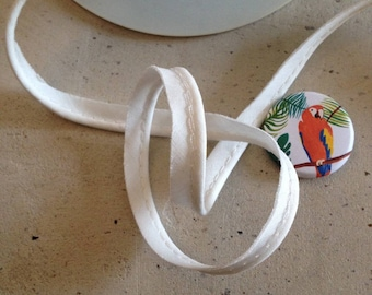 Width 1 cm white piping