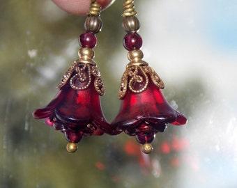 Red Flower Earrings, Lucite Flower Earrings, 'Mini Cranberry', Victorian Earrings, Boho Earrings, Drop Earrings, Vintage Style, Hand Painted