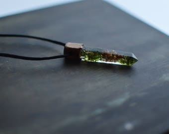 Moss and pinecone resin pendant / terrarium necklace / eco friendly crystal clear necklace mossy natural boho chic elegant forest / uv resin