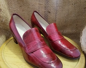 Vintage Women's Shiny Red Dominic Romano Pumps - Size 6B