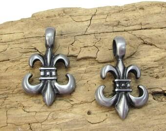 Fleur-de-lis Pendant, Fleurdelis Pendant, 35x22mm Double-Sided Fleur-de-lis Pendant, Jewelry Supplies, Item 191p
