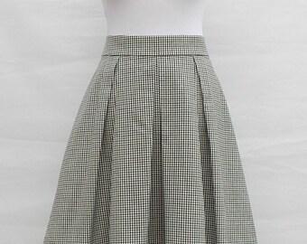 Box pleat checked skirt