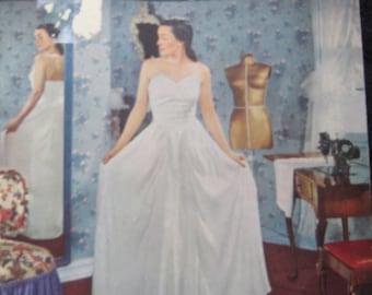 Vintage Singer Dressmaking Guide Book 1940's