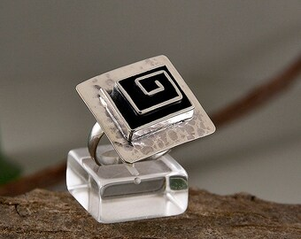 Spiral ring, hammered ring, sterling silver ring, square ring, adjustable ring, tribal ring, greek jewelry, geometric jewelry, women ring
