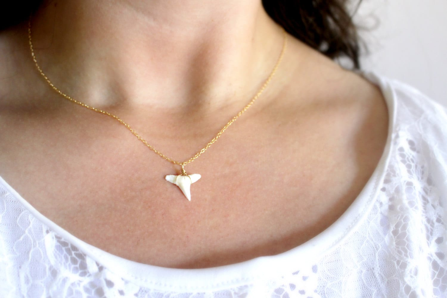silver sterling sharks necklace shark tooth pendant