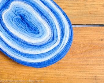 Thin Wool Pencil Roving, Pre-Yarn, Knitting, Spinning or Felting Fiber, Blue and White