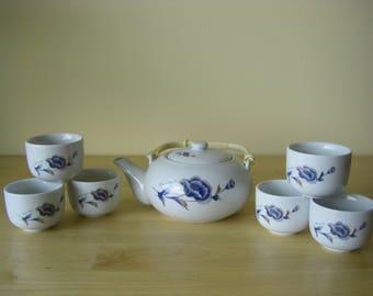 Tea Set 'Flower Duet' Teapot and Six Cups