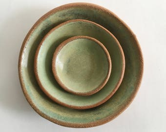 Ceramic Nesting Bowl Set, 3 Sweet Pea Green Stoneware Pottery Bowls