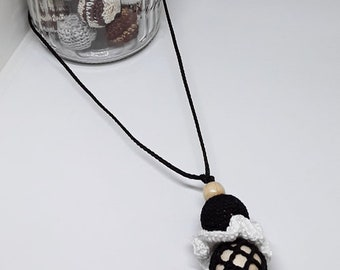 model nursing and Babywearing necklace black and white