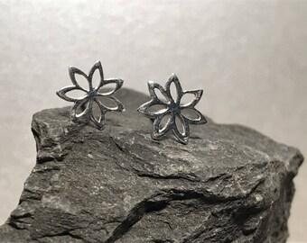 Sterling Silver Lilly flower Earrings