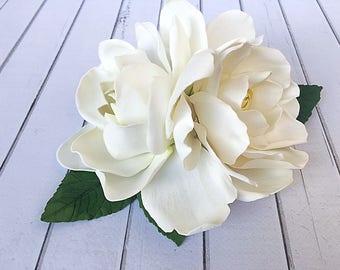 Large flower Hair Gardenia Bridal hair clip Flower wedding White Bridal Flower hair Big Prom Hair jewelry Bridal headpiece White fascinator