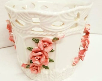 Bloom-rite planter with pink 3-D roses
